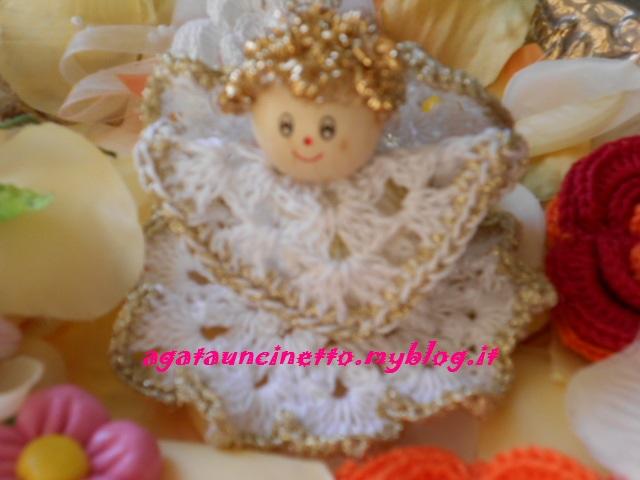 Angeli natalizi uncinetto agatauncinetto for Lavori natalizi uncinetto